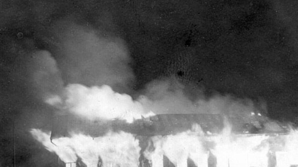 Huset, som stod på Rådhusgatan 41, där Hotell Kaske står idag, brann ner till grunden år 1962. Kasköborna, som var uppe sent på kvällen och tittade på det populära tv-programmet Hylands hörna, larmade snabbt brandkåren som förhindrade att elden spred sig.